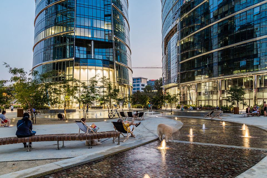 Wirtz International Landscape Architects - Plac Europejski - Warsaw Spire (Poland)